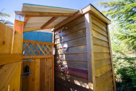 Soul-Creek-Lodge-Port-Renfrew-Yurt-Outdoor-Shower